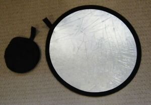 Circular, Collapsible Light Reflector for Photography