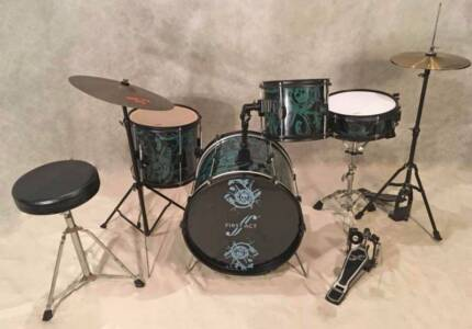 Junior 4pce Drum Kit w/ cymbals and stool [DK 0890]