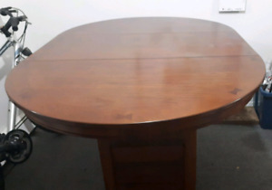 5 piece dining set - worn