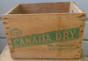 RP2179 Vintage Canada Dry Ginger Ale Soda Pop Wooden Crate Case