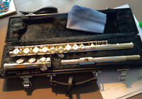 Yamaha 221 flute for sale - excellent condition