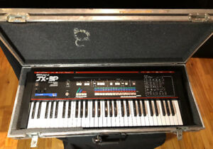 Roland JX3P Vintage Analog Synthesizer w/Flight Case