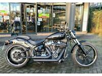 2018 Harley-Davidson SOFTAIL FXBR BREAKOUT FXBR Vivid Black (19MY) Custom Petrol