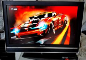 Sony Bravia KDL 32V2500 LCD Color TV.