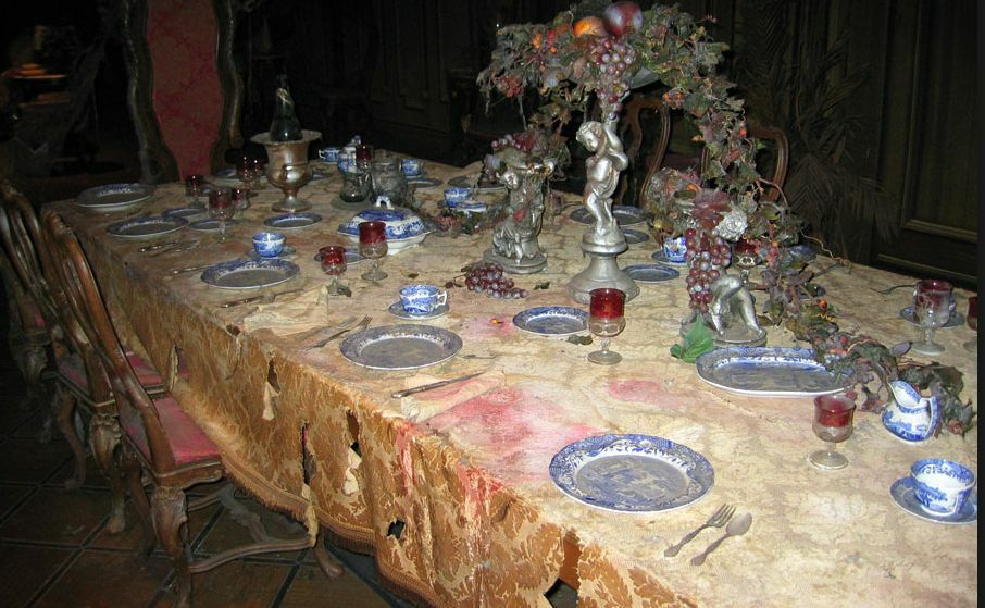 Disneyland Haunted Mansion Large Plate Ride Spare Prop