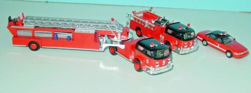 HO SCALE BUSCH CHICAGO FIRE DEPT. APPARATUS SET WITH 3 VEHICLES- MINT IN BOX