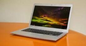 Toshiba CB35-B3340 13.3 Inch Chromebook (4GB RAM, 16GB SSD) Full HD-IPS Screen