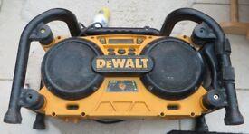 DE WALT DC011 110v.SITE RADIO