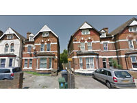Furnished studio flat on second floor available in Harlesden, Housing Benefit and DSS accepted.
