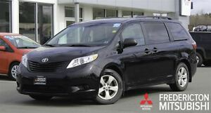 2015 Toyota Sienna V6! 7-SEATER! BACKUP CAM!  ONLY 37K!