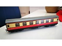 HORNBY DUBLO TWO TINPLATE COACHES W9572 M4183 GOOD CONDITION CAN POST