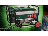 ****FOR SALE NEW AND BOXED 2.8KW 4 STROKE UNLEADED PETROL GENERATOR****
