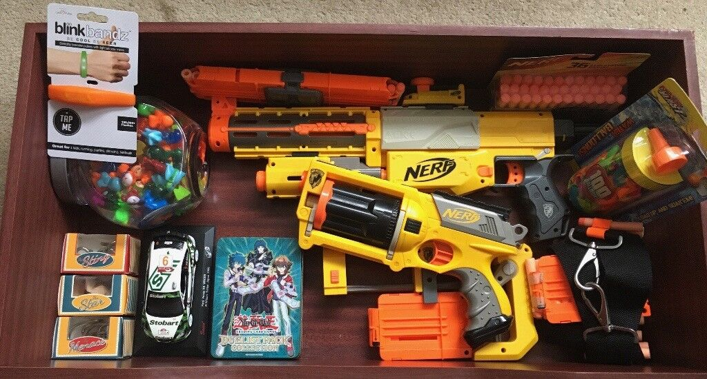 Box of Kids Toys: 2 Nerf Guns & Accessories & stocking fillers.
