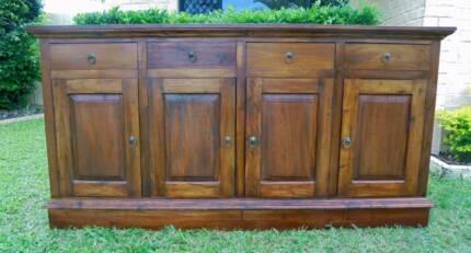 Solid Wooden Heavy 4 Door 4 Drawer Sideboard/Buffet Mahogany