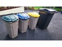 Rubbermaid Mobile wheelie bin Containers easy stacking inside or outside