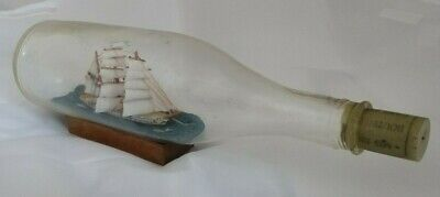 Vintage SHIP IN BOTTLE Ship of the line HAND-CRAFTED BEAUTIFUL COLLECTOR'S ITEM