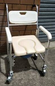 Mobile Toilet Commode Chair with Footrest Wheelchair