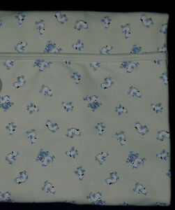 like NEW beige Baby Blanket by Baby Gap .. Clean,SmokeFree Cambridge Kitchener Area image 2