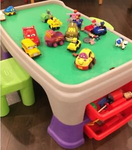 GROW WITH ME ACTIVITY TABLE FOR TODDLERS ADJUSTABLE HEIGHT