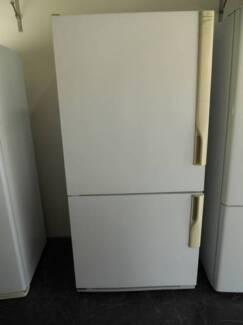 Second hand Westinghouse Fridge Freezer 500 Litre (SFF 539)