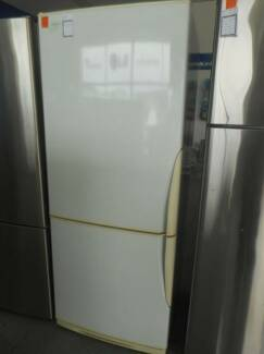 Second Hand Fridge / Freezer WESTINGHOUSE 415 L WHITE (MFF 270)