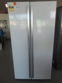Second Hand Fridge/Freezer WESTINGHOUSE 606 L WHITE (MFF 269)