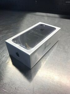 iPhone 7 BLACK BRAND NEW IN THE BOX SEALED