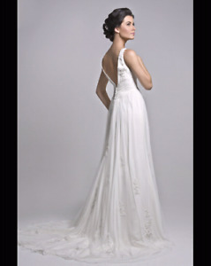 Joli Bridal gown size 12 (not altered)