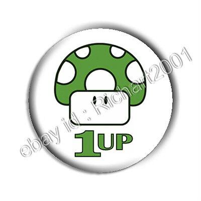 "BUTTON BADGE PIN - Retro Game ""1UP"" Mushroom"