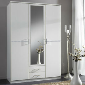 1/ BRAND NEW 3 DOOR 2 DRAW WARDROBES 5 ONLY LEFT FROM HUGE CONTRACT BRAND NEW 8470DBADUD