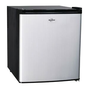 *Koolatron AC/DC Thermoelectric Fridge*