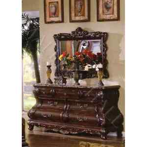 King size bed set solid wood in excellent conditions
