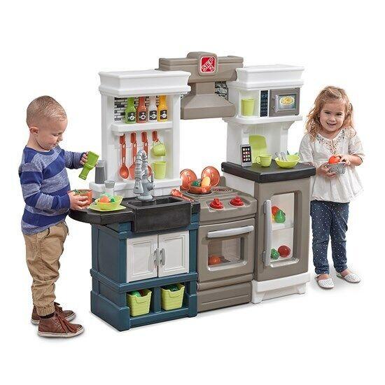 Step2 Modern Metro Kitchen - Kids Play Kitchen - BRAND NEW