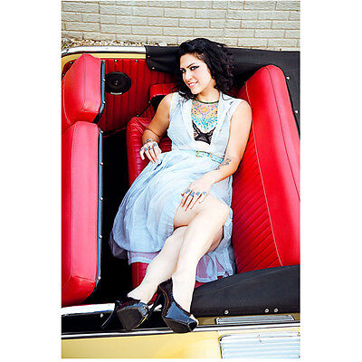 Danielle Colby Cushing American Pickers Posing Smiling 8 X 10 Inch Photo
