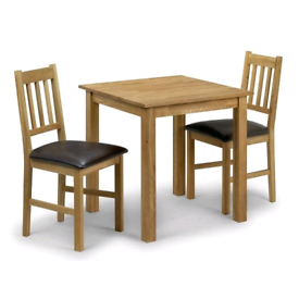 Coxmoor Square Dining Table In Oiled Oak With Four Chairs