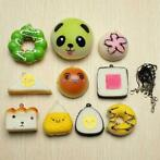 10 stuks Random Squishy Soft Sushi / Panda / Brood / Cake...
