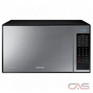 Samsung Black Mirror Countertop Microwave Oven ***  NEW IN T ***