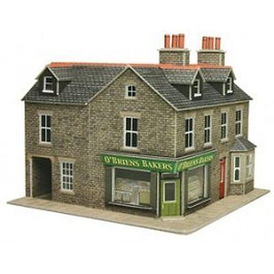 Metcalfe PO264 00/HO Corner Shop in Stone