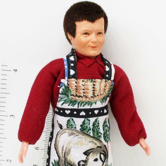 Dressed Caco Man 0209 BBQ Aparon Maroon Shirt Flexible Dollhouse Miniature