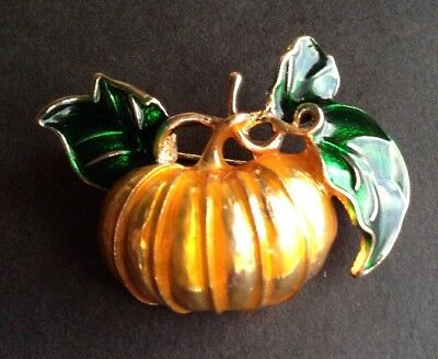 FALL HALLOWEEN PUMPKIN BROOCH PIN Golden Orange & Green Enamel, Gold-tone Alloy
