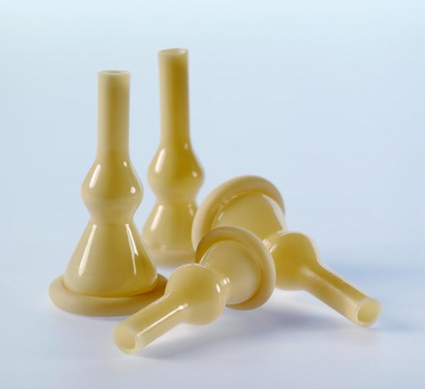 100 -condom External Catheters 28mm Medium Freedom Coloplast Self Adhering 8200
