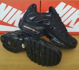 NIKE AIR MAX TN PLUS / Black colour/ UK Size 9, Unisex
