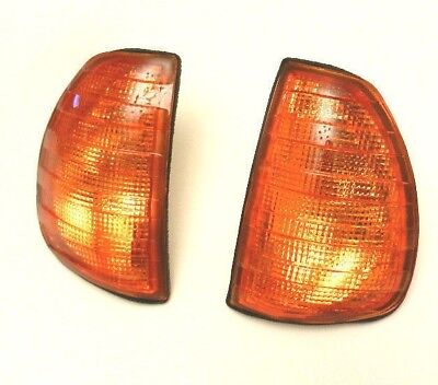 MERCEDES W123 1975-1985 FRONT INDICATOR LIGHTS PAIR AMBER LENS LAMP SET LH + RH