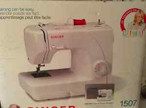 Singer 1507 Sewing Machine - Brand New still in the box!!!