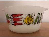 Vintage Pyrex oven dish