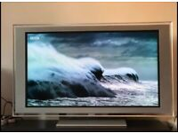 "LCD TV 52"" Sony Bravia 1080p Full HD, Freeview, widescreen with stand / RRP £550"