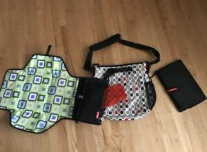Skip HOP high quality diaper bag and accessories included. New!