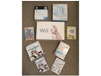 Nintendo Wii with 5 games, 4 controllers and more, see details below for full package...