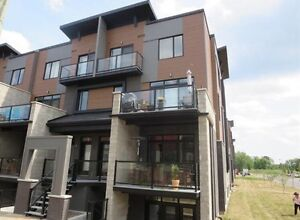 Vaudreuil condo for rent 2 floors