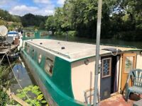 Widebeam Cruising Houseboat - Dry Lunch